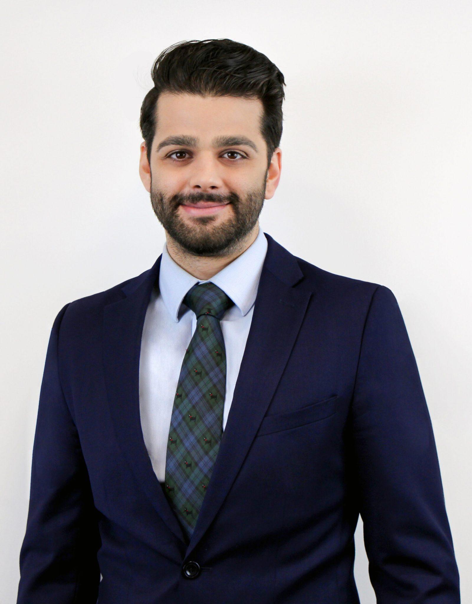 h, Ali Esnaashari